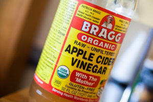 Discover This Little Knonw Benefit of Appe Cider Vinegar Your Wife Will Be Glad You Found……
